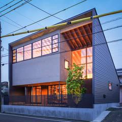 eclectic Houses by nobuyoshi hayashi
