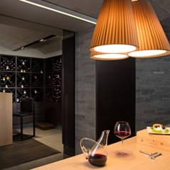 Dom Zakopane2: styl , w kategorii Piwnica win zaprojektowany przez Bartek Włodarczyk Architekt,