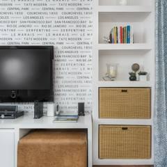 Salle multimédia de style  par Alma em Design, Éclectique