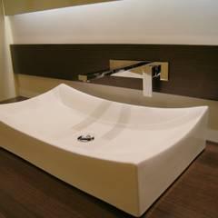Detalle Baño de Social. : Baños de estilo  por MARECO DESIGN S.A.S