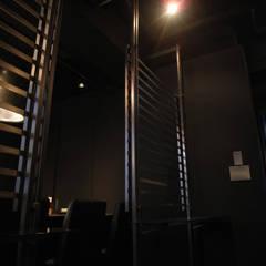 tempra & bar TAKA: (株)グリッドフレームが手掛けたレストランです。,インダストリアル