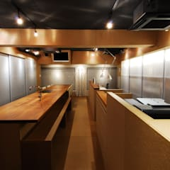 ミズタニ デザイン スタジオ+水谷邸: ミズタニ デザイン スタジオが手掛けた書斎です。,ミニマル