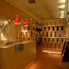 イタリア料理店「カプリチョーザ」: ミズタニ デザイン スタジオが手掛けたレストランです。