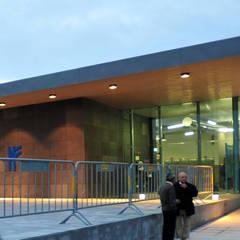 Estação Ferroviária de Espinho: Aeroportos  por MIGUEL VISEU COELHO ARQUITECTOS ASSOCIADOS LDA