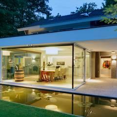 uitbreiding woonhuis:  Tuin door JMW architecten