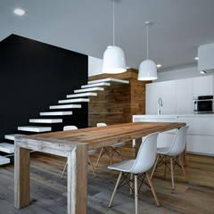 Progetto: Sala da pranzo in stile  di EV+A Lab Atelier d'Architettura & Interior Design