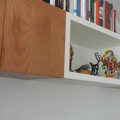 Apartamento Aposentos: Estudios y despachos de estilo  por KDF Arquitectura