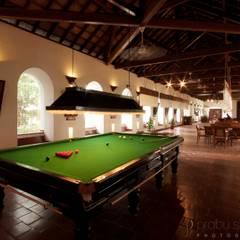 Hotels & Resorts:  Corridor & hallway by Prabu Shankar Photography,Colonial