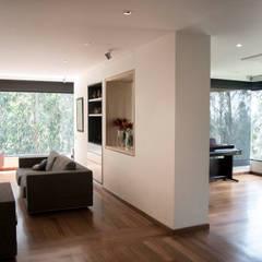 Apartamento Monteloma: Salas de estilo  por KDF Arquitectura, Moderno
