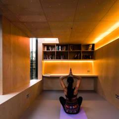 ورزشگاه by Neil Dusheiko Architects