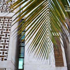 CASA DUNAS: Pasillos y vestíbulos de estilo  de Yucatan Green Design
