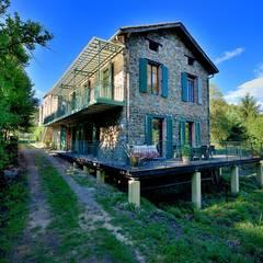 RÉNOVATION D'UNE MAISON CÉVENOLE: Maisons de style  par JOSE MARCOS ARCHITECTEUR