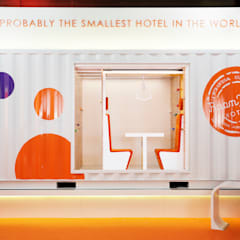 Room Mate Container by Teresa Sapey: Hoteles de estilo  de Estudio de Arquitectura Teresa Sapey