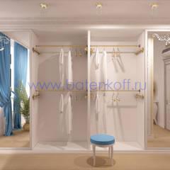 Дизайн проект спальни в средиземноморском стиле в таунхаусе в Екатеринбурге : Гардеробные в . Автор – Дизайн студия 'Дизайнер интерьера № 1'
