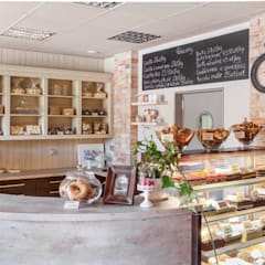 Nastrojowa cukiernia: styl , w kategorii Centra handlowe zaprojektowany przez Viva Design - projektowanie wnętrz,