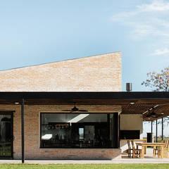 Casa CL: Casas de estilo  por BAM! arquitectura