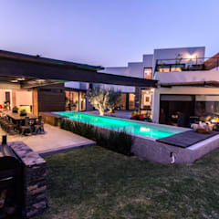 حیاط by Loyola Arquitectos
