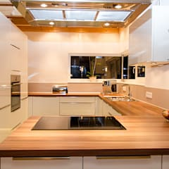 آشپزخانه by Hauptvogel & Schütt Planungsgruppe