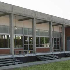 Comedor Industrial Alfarería Continental: Comedores de estilo  por PA - Puchetti Arquitectos