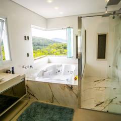 classic Bathroom by Roma Arquitetura
