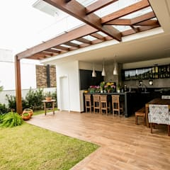 Terrace by Roma Arquitetura