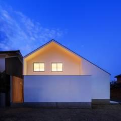 Houses by 一級建築士事務所haus, Modern