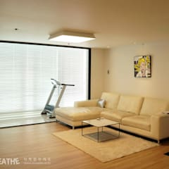 32평 초원대림아파트 리모델링 : 디자인브리드의  거실