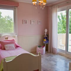 Clásicos Detalles: Dormitorios infantiles de estilo  por LLACAY arquitectos
