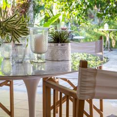 ห้องทานข้าว โดย Maria Claudia Faro, ทรอปิคอล