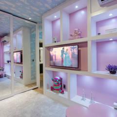 Apartamento Palazzo: Quarto infantil  por Designer de Interiores e Paisagista Iara Kílaris,