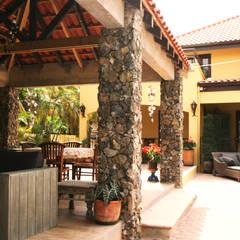 Casa Rokx, Willemstad Curaçao:  Terras door architectenbureau Aerlant Cloin BNA,