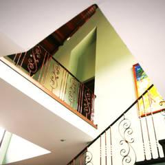 vide woonkamer:  Woonkamer door architectenbureau Aerlant Cloin BNA