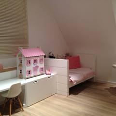 Meisjeskamer:  Muren door De Plankerij BVBA