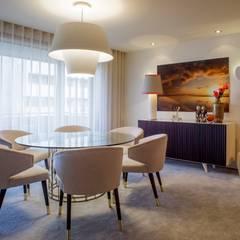 Residence Flat |  Boavista Palace | 2015: Salas de jantar  por Susana Camelo