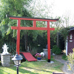 Bau eines Japanischen Torii:  Garten von Waldeck-Upcycling-Products