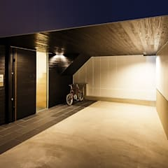 Garage/shed by 一級建築士事務所haus