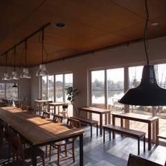 cafe Laugh: ヤマトヒロミ設計室が手掛けたレストランです。,インダストリアル