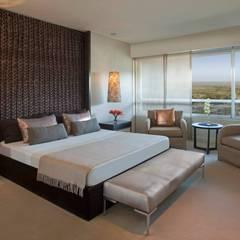 Zencity : Dormitorios de estilo  por victorialosada