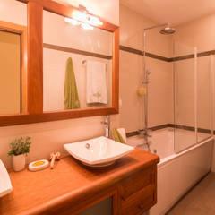 Decoración de viviendas: Baños de estilo  de Narai Decor