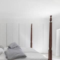 FELANITX RENOVATION: Dormitorios de estilo  de munarq