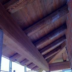 Ampliamento edilizio del 40%: Terrazza in stile  di A F architetto