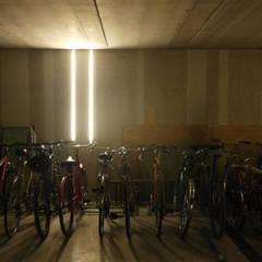 Casa NB: Garage/Rimessa in stile  di 02.aa architetti associati