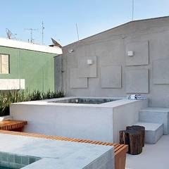 Spa de estilo  por Carmen Mouro - Arquitetura de Exteriores e Paisagismo