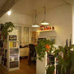 Projekty,  Domowe biuro i gabinet zaprojektowane przez Etxe&Co