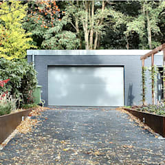 Woonhuis MDCL Asten:  Garage/schuur door 2architecten
