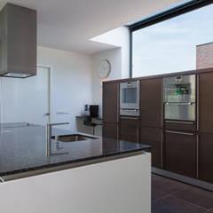 Woonhuis PMTJ Eindhoven :  Keuken door 2architecten