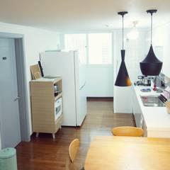 30평대 신혼집 홈 스타일링 : homelatte의  주방,북유럽