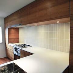 modern Kitchen by Mimasis Design/ミメイシス デザイン