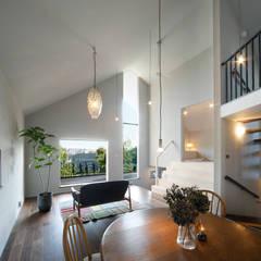 House in Kunimidai: Mimasis Design/ミメイシス デザインが手掛けたリビングです。,モダン