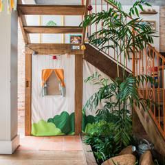 Espaço Infantil Corredores, halls e escadas coloniais por Falchetti Concept Colonial